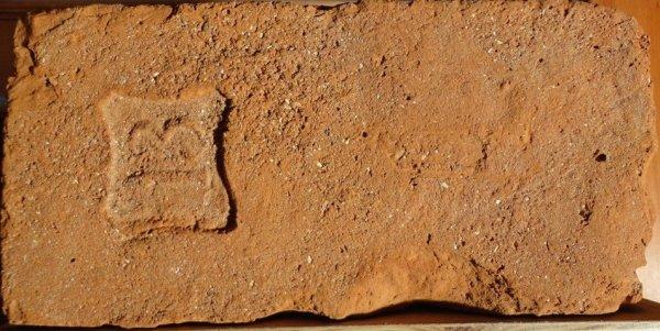 13 - Místo nálezu Břeclav. Rozměr 28,5x14x6.