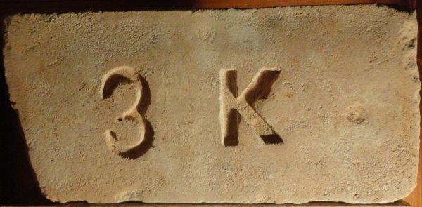 3 K - místo nálezu  Vrutice. Rozměr 30,5x14,5x6,5.