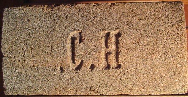 C.H - místo nálezu Podivín. Rozměr 30x15x6,5.