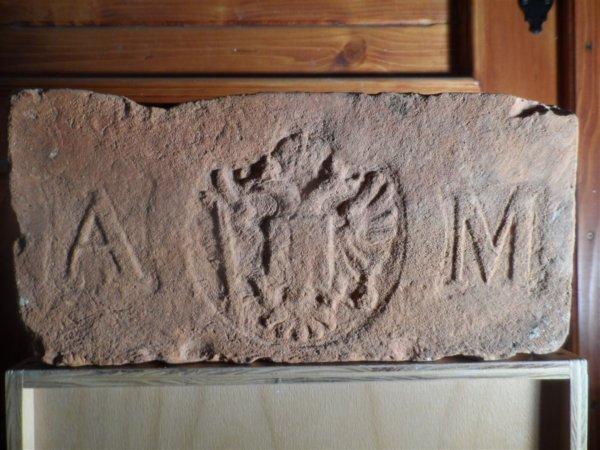 A orlice M -. AM = Alois Miesbach. Rozměr 29x14x6.