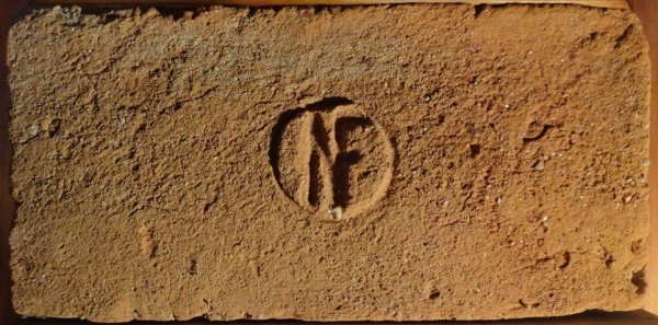 NF - Místo nálezu Modřice u Brna. Rozměr 29,5x14x6,5.