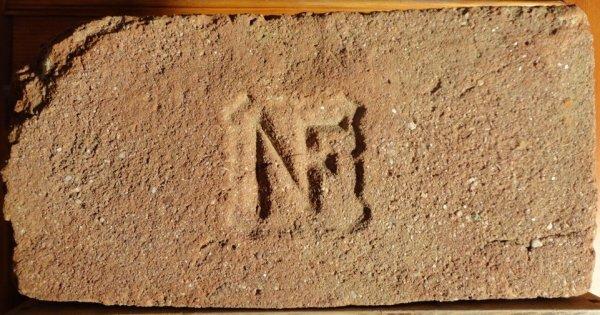 NF - Místo nálezu skládka u Žabčic. Rozměr 30x14,5x6.